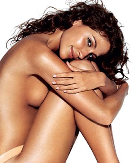La cosmetología moderna cosmético el masaje en la cara